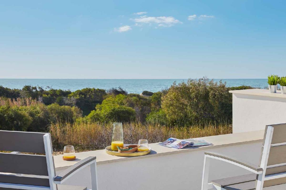 Villa Sariva am Strand mit Pool  Ispica Sicilia